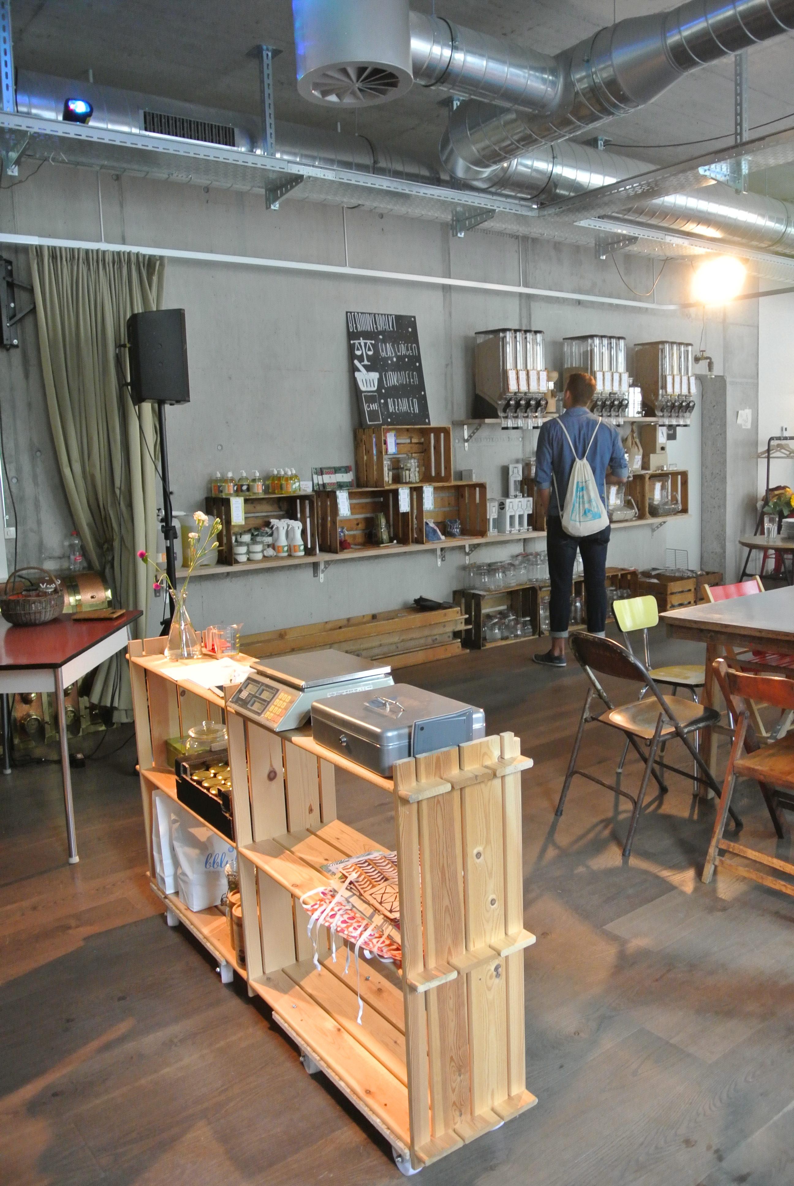 Kasse und Ladentheke von Bern Unverpackt